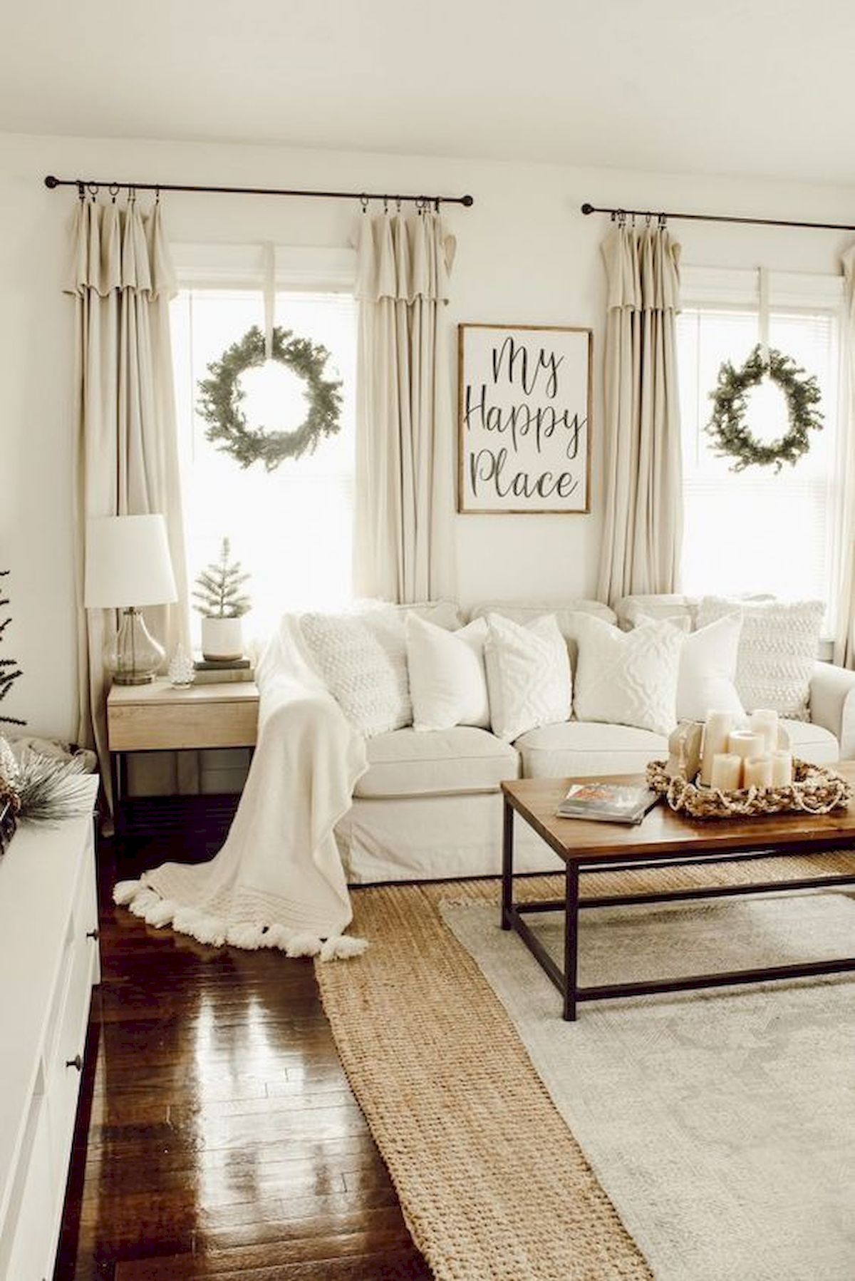 33 Stunning Farmhouse Living Room Curtains Design Ideas And ...